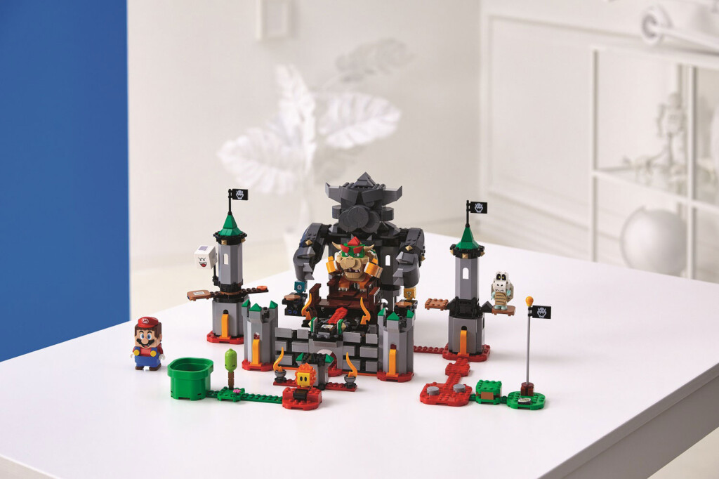 71369-LEGO-Super-Mario-Bowser's-Castle-Boss-Battle-Expansion-Set---6